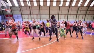 MO DIAKITE: Gente de Zona- La Gozadera ft Marc Anthony ( Zumba® fitness Choreography)