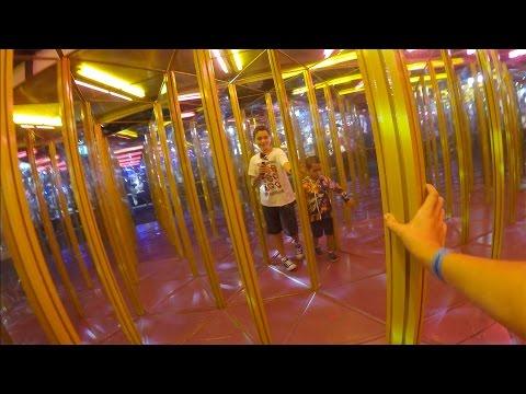 VLOG - LABYRINTHE & JEUX 100% FUN à LUNA PARK ! - Manèges & Attractions