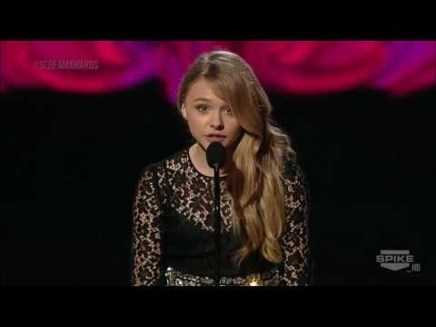 Chloë Grace Moretz - Presenting 'Ultimate Scream' - Scream Awards 2011 [HD]