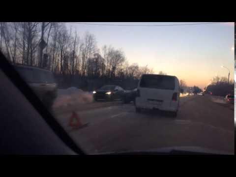 Три человека пострадали в столкновении «ВАЗ-2109» и «Рено