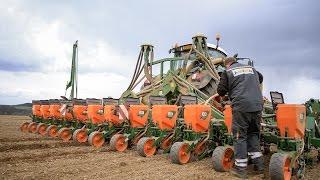 Lohnunternehmen Reiff : Seeding corn 2017