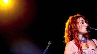 Tori Amos - Hotel (live in Phoenix AR 9/16/05)