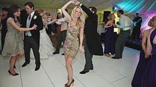 «Подружка невесты под прикрытием» обеспечивает идеальную свадьбу