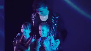 Концерт Elvin Grey(Радик Юльякшин) в Набережных Челнах/02.12.17/Девочка моя исполнение с детьми