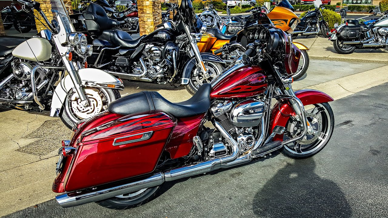 2016 Street Glide Special >> All-New Harley Milwaukie-Eight!! - SGS & RGS 1st Ride Impressions!   BikeReviews - YouTube