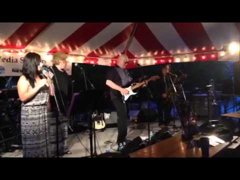 99e1fc73381af Larissa M Smith - chain of fools - YouTube