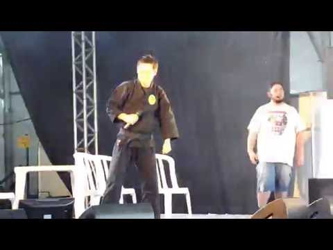 Ninja Jiraya cantando no Anime Friends 2016