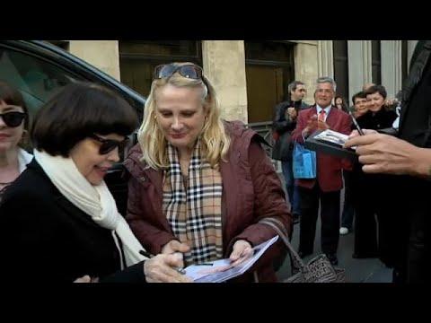 La Très Populaire Mireille Mathieu En Tournée En Allemagne Youtube
