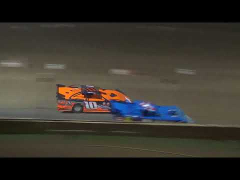 Late Model Feature Race at Crystal Motor Speedway, Michigan, on 08-25-2018!