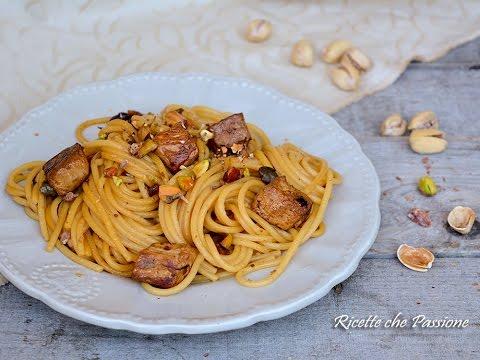 Spaghetti al tonno fresco e pistacchi - Ricette che Passione