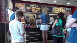 Repeat youtube video Im kurzen Minirock als Crossdresser im BurgerKing