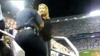 Stupid Woman Fights With NYC Police Officers