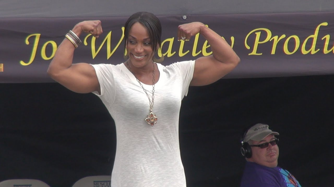 8 Time Ms. Olympia Lenda Murray at Muscle Beach