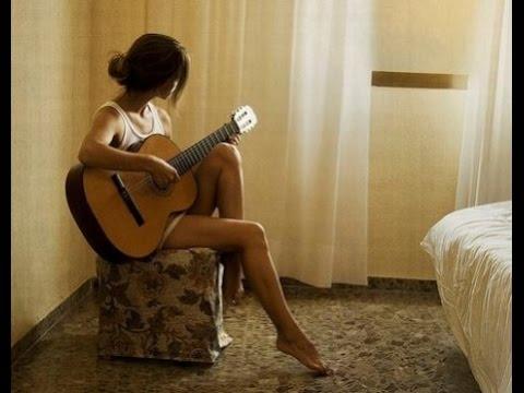 cewek nyanyi lagu sedih banget