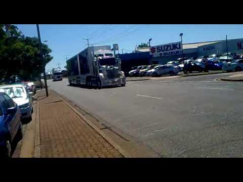 v8 truck convoy hits darwin 2010