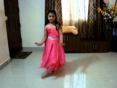 ABCD-2 Sun Sathiya Dance By 5years AASHRITHA..!!