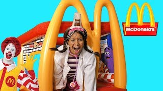 Doc McStuffins McDonalds Drive Thru Strawberry Shake Attack!! || Toy Review || Konas2002