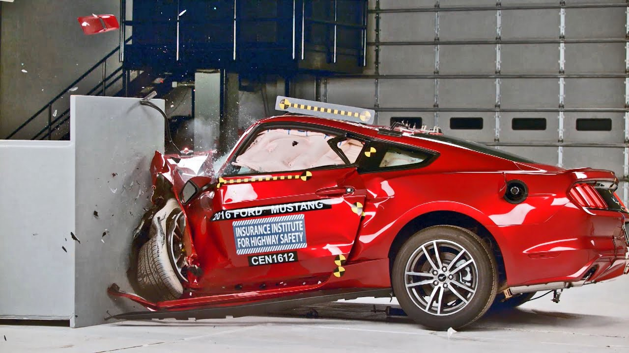 Mustang Vs Camaro >> Ford Mustang (2016) Crash Tests [YOUCAR] - YouTube