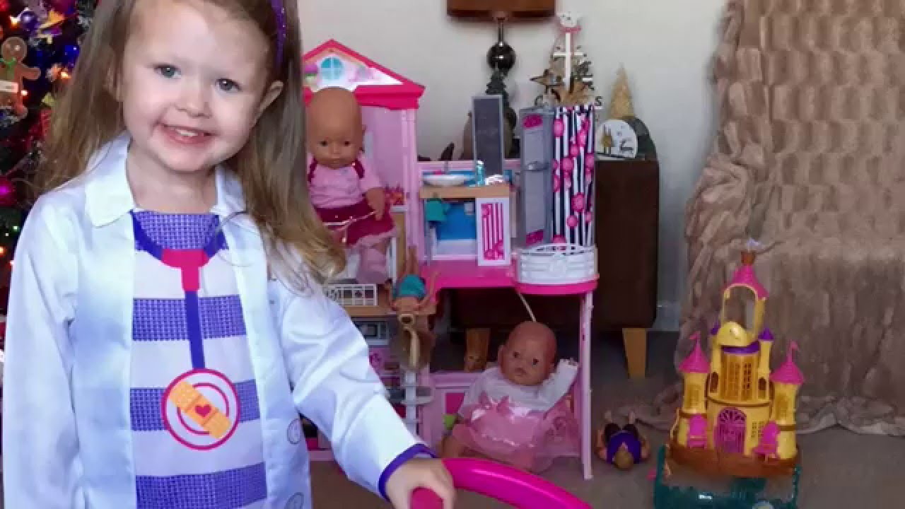 Isla Savannah Reviews Her Doc Mcstuffins Trolley Toy