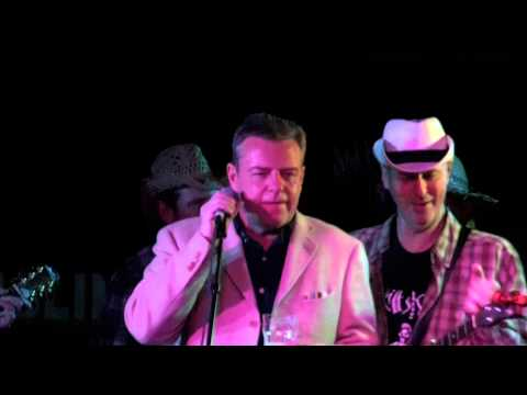 The Skiff Skats - Buckin Mule - Dublin Castle 2015 (featuring Suggs Speach)
