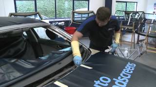 How to Replace a Windscreen in One Minute - Auto windscreens