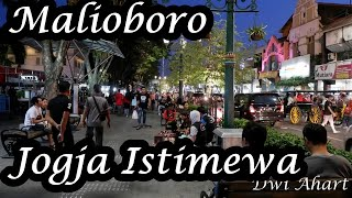Video Pesona Malioboro, Tugu dan Alun-alun Selatan (A POPULAR PLACE TO VISIT IN YOGYAKARTA) Jogja Istimewa download MP3, 3GP, MP4, WEBM, AVI, FLV November 2018