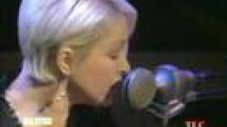 "Cyndi Lauper Sings ""Time After Time"" Live on Martha Stewart"