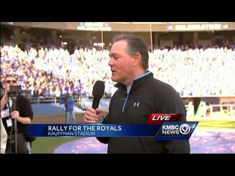 Kansas City Royals manager Ned Yost thanks the fans