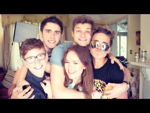YouTubers Come To Visit | MoreZoella
