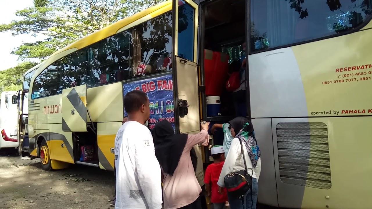 Bus Nirwana di pantai Anyer - YouTube