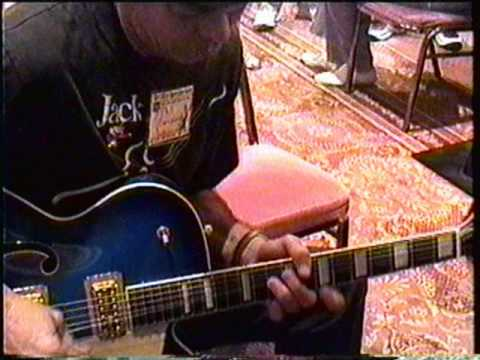 Phil Emmanuel -Guitar Boogie.