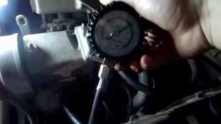 Проверяем компрессию в цилиндрах