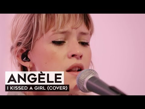 THE TUNNEL: Angèle - I Kissed A Girl (live cover)