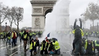 Eiffel Tower, museums to close during new 'Yellow Vest' protests