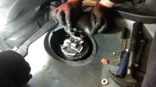 How to Change Replace Fuel Pump Peugeot 206 - Amateur Repairs