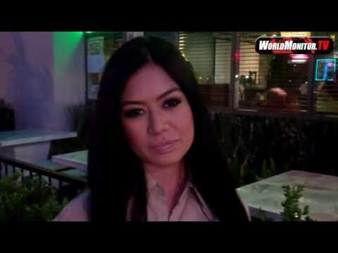 0 Kim Lee on Bradley Cooper, Ken Jeong and Charlie Sheen at Palms Thai Restaurant