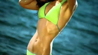 Kareena kapoor in bikini song - Chhaliya - TASHAN  hot  song FULL HD
