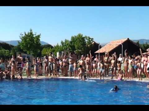 Baile en la piscina del camping iratxe en ayegui navarra cerca de estella lizarra 3 parte youtube - Camping en navarra con piscina ...