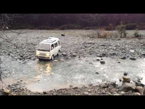 Crazy little Japanese Kei Car 4x4 River Crossing