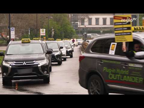 Stuttgarts Taxifahrer Demonstrieren | 10.04.2019