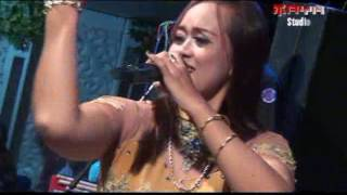 Video NEW GALAXY MUSIC LIVE SUNGAPAN | PESISIR BALONGAN | SUSAN AMELIA download MP3, 3GP, MP4, WEBM, AVI, FLV Oktober 2017