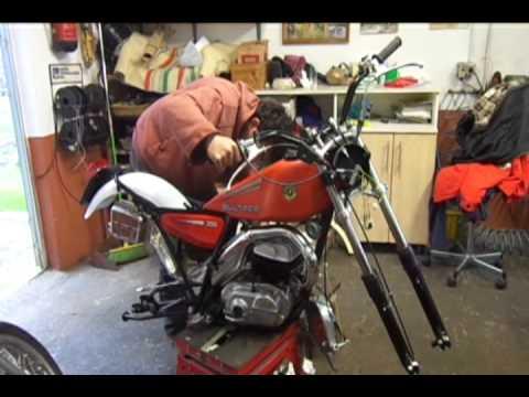 Pablo Olveira ( Bultaco Serpa T 350 Mol 199 Puesta a Punto)
