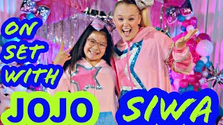 """Thankful for the incredibly fun opportunities with jojo siwa! check out behind-the-scenes kennie on set jojo's new video d.r.e.a.m """"the slumber..."""