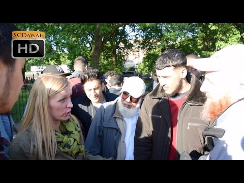 Strange Views! Hamza Vs Lady with strong views | Speakers Corner | Hyde Park