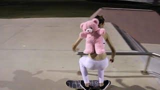 MILEY CYRUS SKATEBOARDING