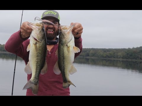 Crazy Catch!!! TWO BASS on ONE Crankbait!!!