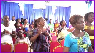 IL AGIRA-TU ES MON YAYA HÉ Moments d'adoration avec la chantre Mary Sy