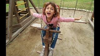 Elif ile sabah park keyfi.Plajda gezinti ve parkta oyunlar, Eğlenceli çocuk videosu