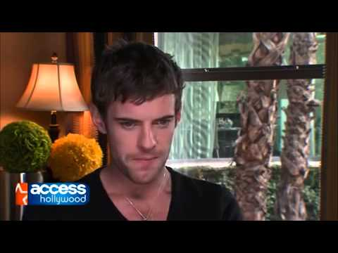 Harry Treadaway: 'Penny Dreadful' Characters 'Under Threat' in Season 2