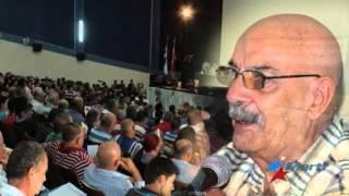 Dramaturgo holguinero enfrenta a funcionario del Partido Comunista